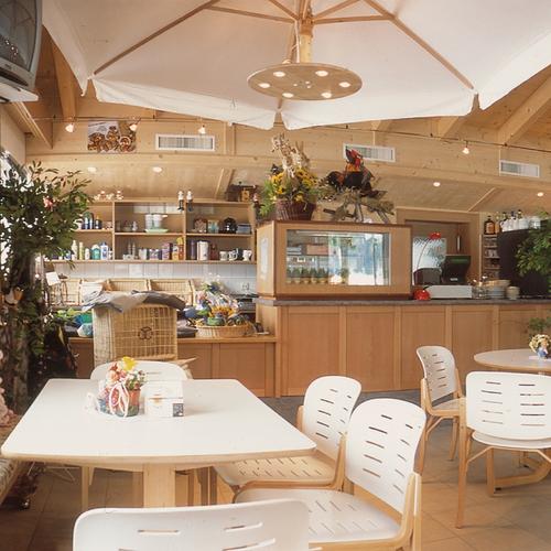 Cafe im Campinggebäude