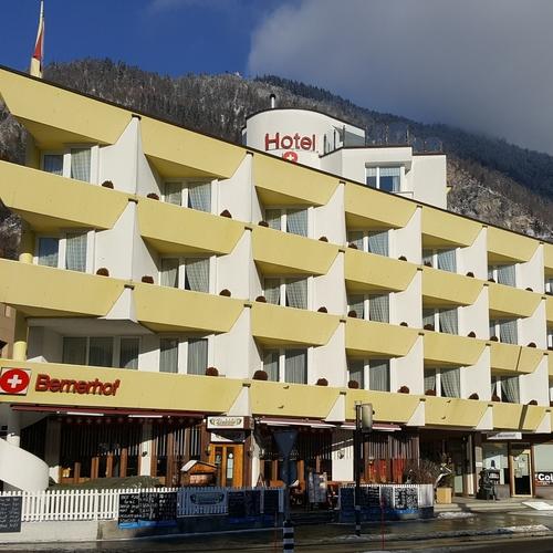 Hotel_Aussen.jpg