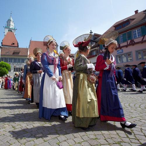 Traditionelle Schwedenprozession in Überlingen am Bodensee