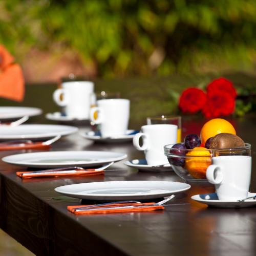 Außenbereich Frühstück im Sommer