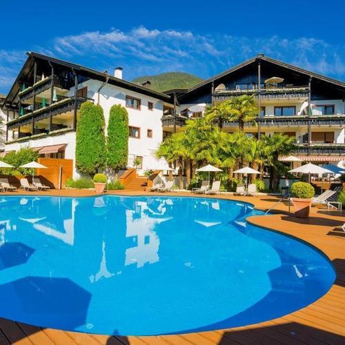 MONDI-HOLIDAY Genuss- und Romantikhotel Tirolensis (24).jpg