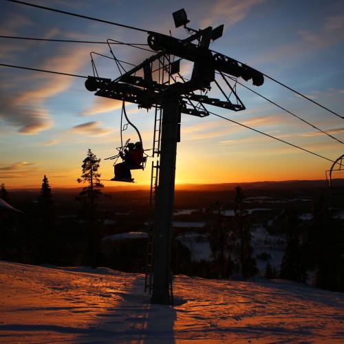 ski-lift-1127485_1920.jpg