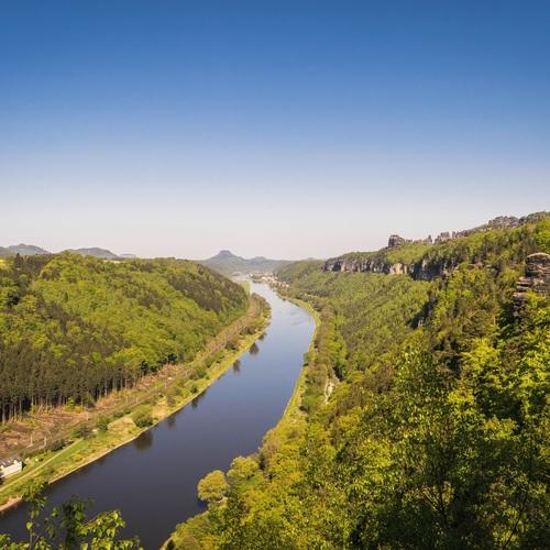 Elbe im Elbsandsteingebirge