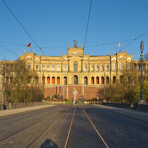 Maximilianeum_München_Haidhausen by Pedelecs CC BY-SA 3.0 via wiki commons.jpg